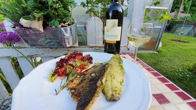 Grillen; Wolfsbarsch; Pinot Bianco